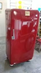 Geladeira antiga frigidaire modelo bolinha