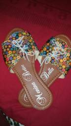 Vendo sandálias rasteiras novas
