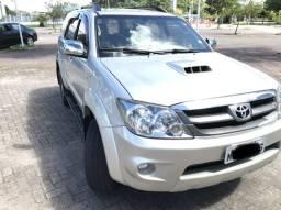 Toyota Hilux SW4 SRV D4-D 3.0 4x4 Turbo Diesel 2005/2006 Automática - 2006