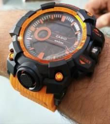 Relógios com garantia de um ano