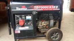 Vendo gerador a diesel. toyama td7000tre 5.5 kv. valor negociável