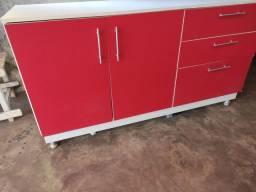 Armário de cozinha e balcão planejado