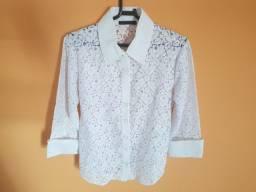 Blusa branca de renda