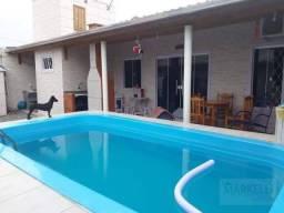 Casa com Piscina e Ponto Comercial Excelente opção para Investimento!