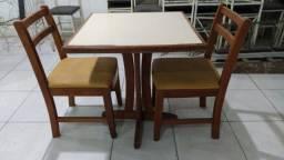 """Cadeiras e Mesas Madeira """"Rubin"""" & Ferro Usadas para Restaurantes e Casa de Festas"""