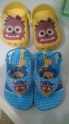 Sandálias de menino usadas pouquíssimas vezes, estão em perfeito estado