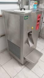 Máquina Produtora de Sorvete + Itens para fabricar Sorvete