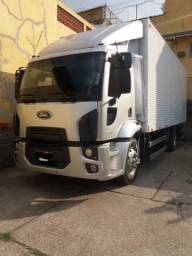 Ford cargo 1319 2013