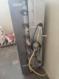 Vendo máquina de assar frango e geladeira expositora