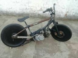 Vendo essa moto motor 110cc traxx 9. *