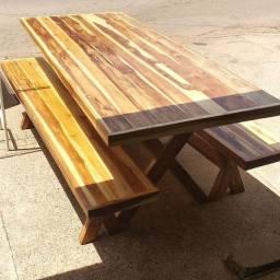 Jogo de Mesa de madeira maciça com 2 banco Chama no ZAP