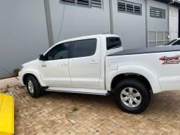 Toyota CD Hilux 4x4 Diesel completa