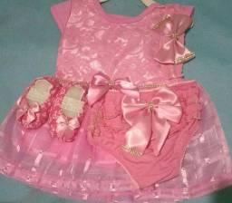 Kit vestido calçinha sapatinhos e tiara veste até 6 mes