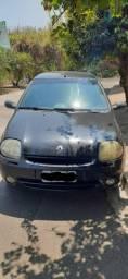 Clio Sedan 01/02