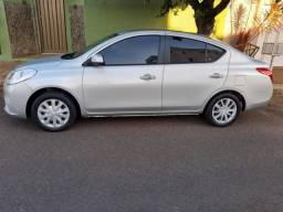 Nissan Versa - Completo