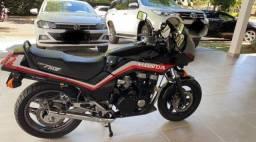 Vende-se CBX750F Black 86 Reliquia