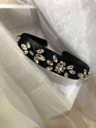 Tiara de luxo bordada 100% com cristais finos