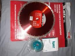 1 disco de corte segmentado e 1 disco de desbaste