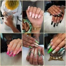 Curso de manicure ou alongamento de unhas