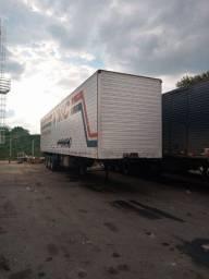 Vendo ou troco por caminhão truk baú