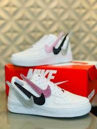 Vendo tênis nike air force e nike casual ( 120 com entrega)