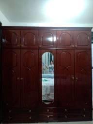 Guarda roupa de madeira 5 portas