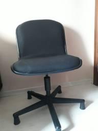 Cadeira giratória para escritório - Seminova (Em oferta)