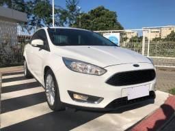 Ford Focus Sedã Automático 2017/2017 C/ apenas 52 Mil Km 4 Pneus Novos