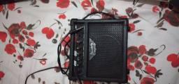 Vendo guitarra Strinberg, modelo flying v  + um amplificador Strinberg SG 15 12W.<br>