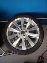 Roda 17. Com pneus