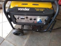Gerador Vonder GGV 7100 usado