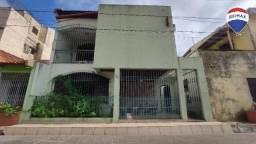Casa Ampla 200m² 4 Dormitórios em Alameda Fechada, no Bairro do Marco