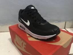 Tênis Nike Air Max TAM. 39 Novo !!