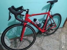 Bicicleta caloi strada com rodas futuras e sapatilha
