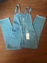 Jardineira jeans comprida