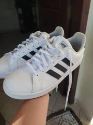 Tênis Adidas 41