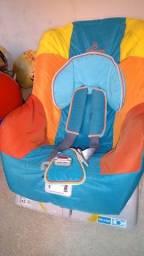 Vendo cadeira de automóvel infantil