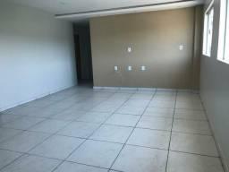 Apartamento 3q com garagem prox a UEPA