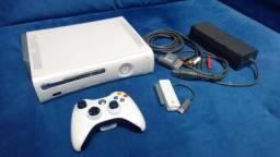 Xbox 360 fat 60 gb 2 controles com adaptador wifi