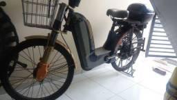 Bicicleta Elétrica Novinha