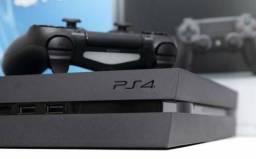 PS4 slim com GTA 5 e UFC 3