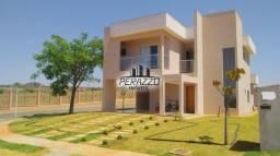 Vende-se linda casa, situado no condomínio Alphaville por R$890,000.