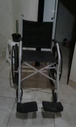 Vendo está cadeira de rodas 62985909331