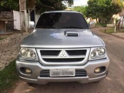 Mitsubishi Pajero - 2005