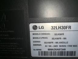 Vendo tv lcd 32? LG s/ conversor