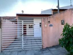 Aluga-se casa no Bairro Universitário, Campina Grande, PB, 2/4, R$ 400.