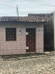 ALUGA-SE CASA EM SÃO LUIS DO CURU
