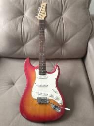 Guitarra Stratocaster, Marca : Condor (cor: Cherryburst) em Ótimo estado R$ 300,00 !!!!