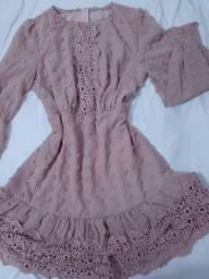 Vendo vestido charmoso tamanho M