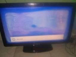 Vendo Tv Philips 42 polegadas com um pequeno defeito